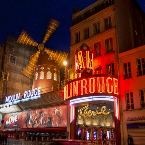 PARIS the moulin rouge sq emailable copy